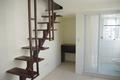 租屋:雅致樓中樓,一層客廳,二層臥舖.